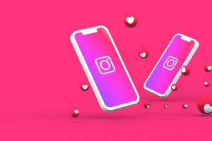 instagram-icon-screen-smartphone-mobile-instagram-reactions-love-3d-render_41204-1837